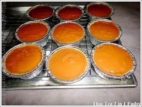 คัพเค้กชาไทย  3  in 1 หน้านิ่ม (Thai Tea 3 in 1  Fudge Cupcake)